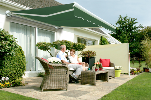 2.5m Full Cassette Manual Awning, Plain Green