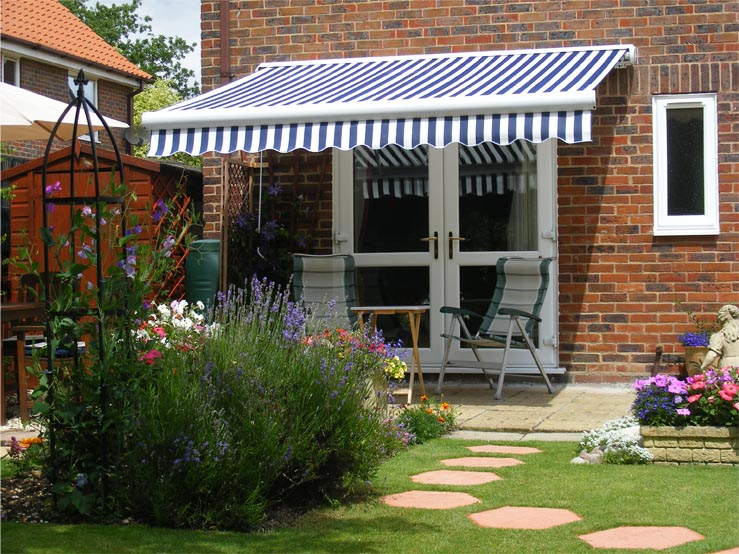 2.5m Full Cassette Manual Awning, Blue and white stripe