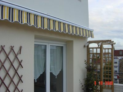 2.0m Standard Manual Awning, Yellow and Grey Stripe