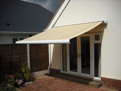 4.0m Standard Manual Awning, Yellow Stripe